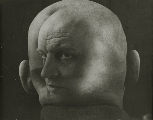 med_georgi-petrusov-portrait-of-aleksandr-rodchenko-1933-jpg