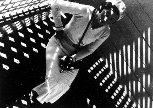 Rodchenko mergina su Leica